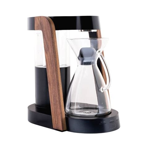 Simply place the paper filter inside the chemex, scoop in your grounds. Ratio Eight Coffee Maker in 2020 (With images) | Coffee maker machine, Modern coffee makers ...