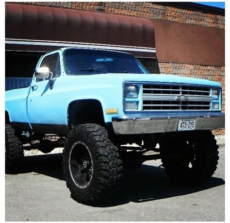 Lifted Square Body Chevy   Autos Post