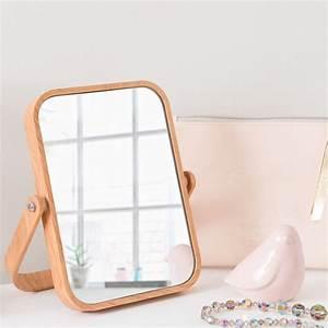 Miroir à Poser : miroir poser en plastique imitation bois scandinavian maisons du monde ~ Teatrodelosmanantiales.com Idées de Décoration