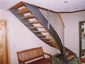 Stahltreppe Mit Holzstufen : metalltreppen blechwangentreppe als metalltreppe gewendelt in stahl gel nder in edelstahl als ~ Orissabook.com Haus und Dekorationen