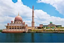 Beautiful Putra Mosque Spectacular Place in Putrajaya  Malaysia  Beautiful Masjid On Water
