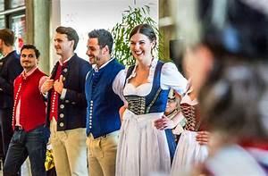 Müller Online Shop Fotos : historisches volksfest schw bische tracht zum leben erweckt stuttgart stuttgarter zeitung ~ Eleganceandgraceweddings.com Haus und Dekorationen