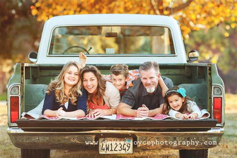 family picture pose ideas   children family
