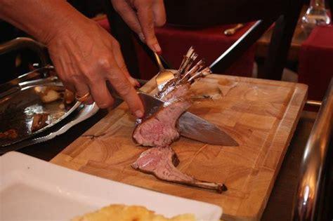 d 233 coupe en salle du carr 233 d agneau photo de restaurant chez max 201 pernay tripadvisor