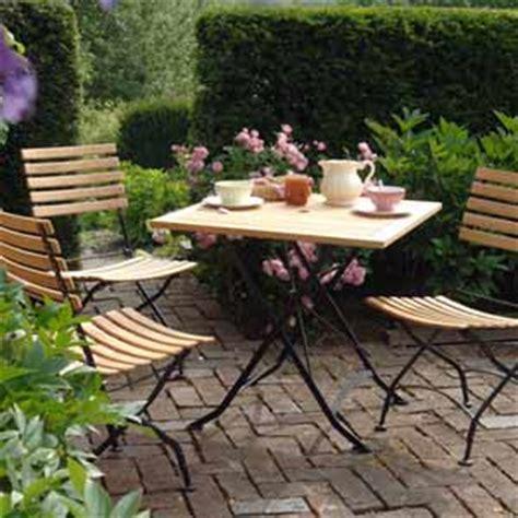 bien choisir une table de jardin en fer forg 233 pas ch 232 re conseils et prix