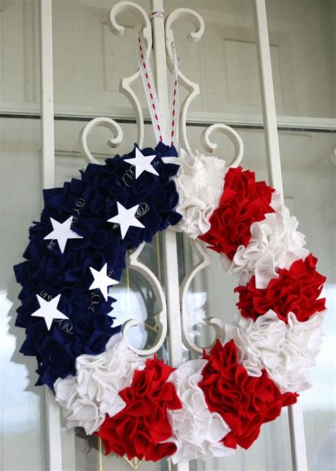 great diy   july wreaths shelterness