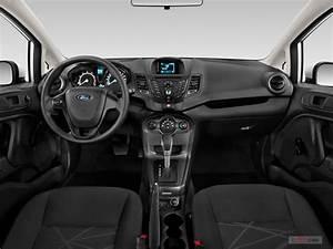 2016 Ford Fiesta Dashboard Photo