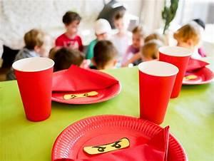 Geburtstag Party Ideen : ninjago kindergeburtstag deko spiele und ninjago schnitzeljagd ~ Frokenaadalensverden.com Haus und Dekorationen
