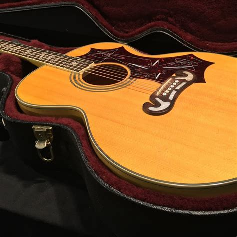 5 Tips To Setting Up An Acoustic Electric Guitar For A