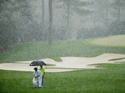 tips  playing golf   rain golf monthly