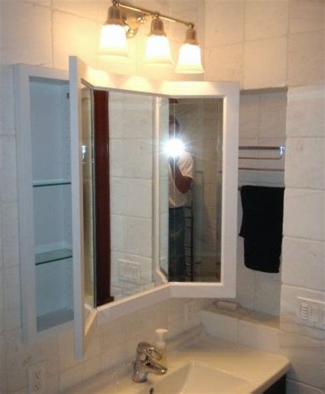 traditional bathroom    mirror
