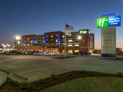 Hotels In Dodge City Ks by Inn Express Suites Dodge City West Hotel By Ihg