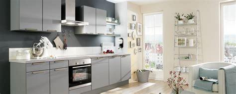 cuisine dans salon cuisine couleur taupe cuisine sjour taupe et grise 75