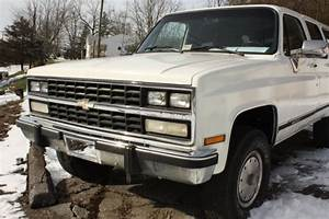 1990 Chevy Suburban 2500 4 Wheel Drive