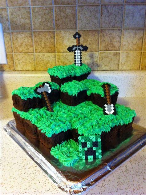 minecraft birthday cake decorations 25 best ideas about minecraft cupcakes on cake minecraft minecraft cake and mine
