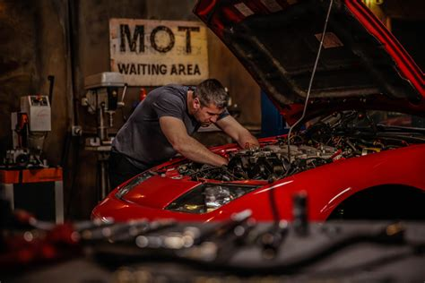 Wheeler Dealers New Series Returns With Some Iconic Classics