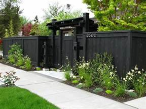 Landscape Fence Idea Gate Landscaping Network The Dramatic Fence Designs For Your Front Yard