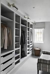 Kleiderschrank Grau Weiß : 1001 ideen f r offener kleiderschrank tolle wohnideen ~ Markanthonyermac.com Haus und Dekorationen