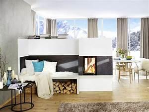 Holzbalken Als Raumteiler : in der wohnung inmitten winterlicher schneebedeckter idylle bildet ein halbhoher raumteiler mit ~ Sanjose-hotels-ca.com Haus und Dekorationen