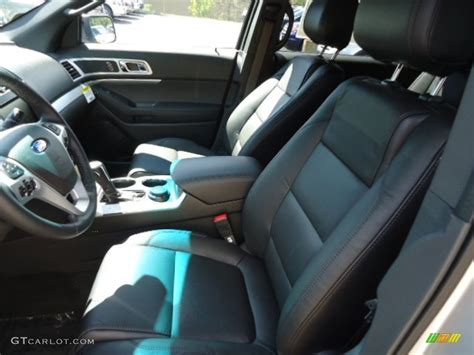 Charcoal Black Interior 2013 Ford Explorer Xlt 4wd Photo