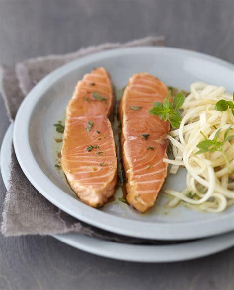 cuisiner un radis noir saumon mi cuit mariné au basilic salade de daïkon savoir