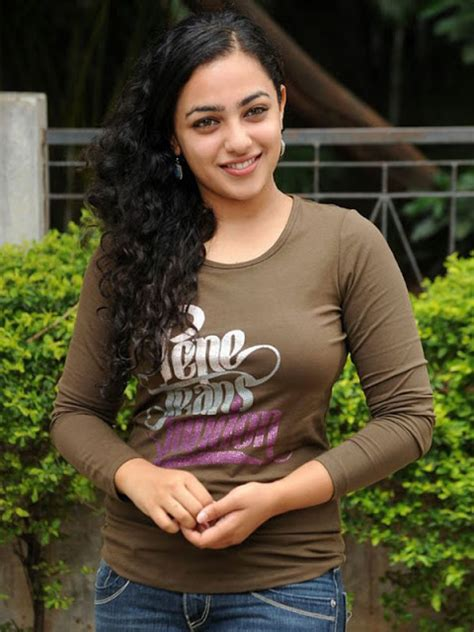 Nithya Menon Hot Exposing Bikini Wall Papers ~ Remasan Toket