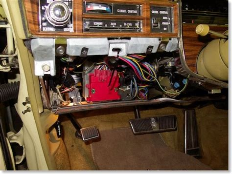 1971 Gto Fuse Box by How To Remove Fuse Box On A 1971 Pontiac Gto Plymouth