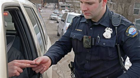 Body Cams Reveal U.s. Police Use Less Respectful Language