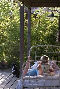 Bett Für Den Garten : ein schweizer garten saison er ffnung ~ Frokenaadalensverden.com Haus und Dekorationen