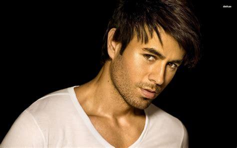 Enrique Iglesias Singer Hot Hd Wallpapers