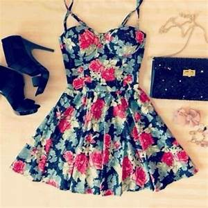 Dress: floral, cute dress, summer dress, black high heels ...