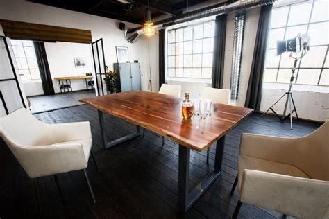 esstisch mit baumkante kawola esstisch massiv mit baumkante nussbaumfarbig fu 223 187 silber 171 kaufen otto