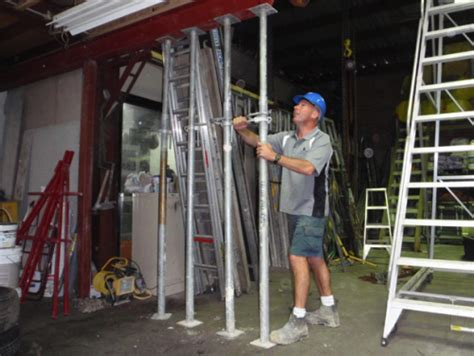 home design engineer installing an acrow prop safety and process