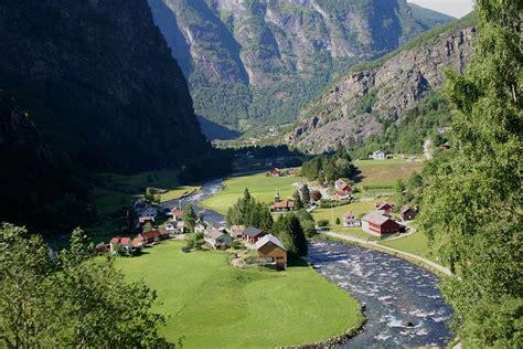flam valley  photo  sogn og fjordane south trekearth