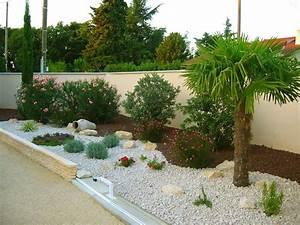 la galerie photos les jardins de bastide paysagiste With jardin paysager avec piscine 9 une haie autour de votre piscine 187 piscine