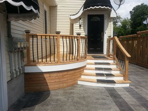 deck stain color  yellow siding