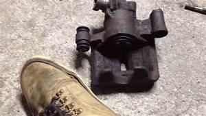 Tutoriel Mecanique   Comment Utiliser Un Repousse Piston