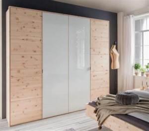 Geruch Im Kleiderschrank : natur zirbenholz kleiderschrank ~ Pilothousefishingboats.com Haus und Dekorationen