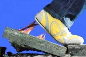 Kaugummi Von Jeans Entfernen : schuhe und teppiche von kaugummi befreien meine haushaltstipps ~ Orissabook.com Haus und Dekorationen