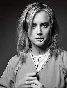 'OITNB''s Taylor Schilling: Why I Hate Social Media ...