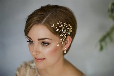 modern romantic wedding hairstyles  short hair