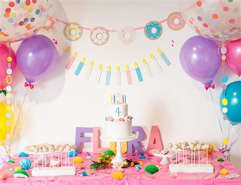 decoration anniversaire garcon 1 an brightly coloured birthday invitations ideas
