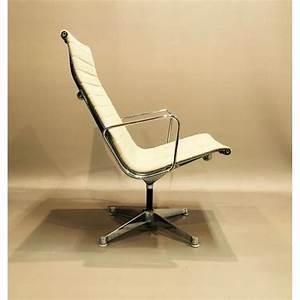 Fauteuil Charles Eames : fauteuil vintage charles and ray eames ea116 1970 ~ Melissatoandfro.com Idées de Décoration