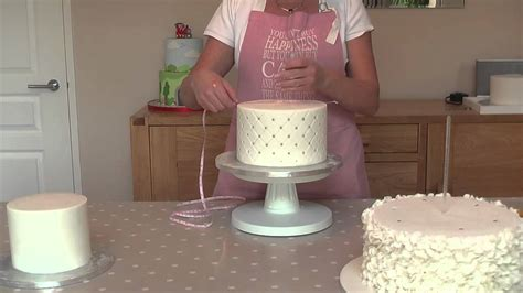 how to stack a cake how to dowel a stacked wedding cake for safe transporting tutorial by fancy cakes by linda youtube