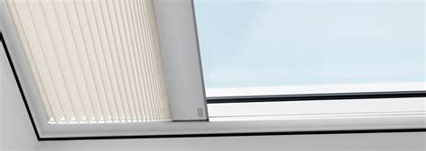 Dekorativ Und Praktisch Plissees Und Rollos Fuer Dachfenster by Velux Plissees Faltstore F 252 R Flachdachfenster Dekorativ
