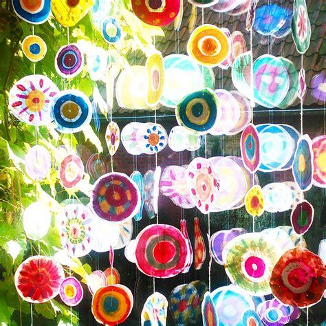 Frühling Basteln Ideen by Fensterdekoration Wasserfarben Kreise Punkte