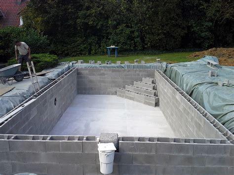 construire escalier en beton construction de piscines en b 233 ton dur tout budget