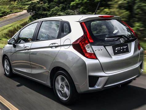 Check spelling or type a new query. Novo Honda Fit LX e EXL: fotos e equipamentos de série