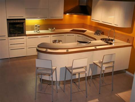rangement cellier cuisine un éclairage sécurisé dans la cuisine mr bricolage on