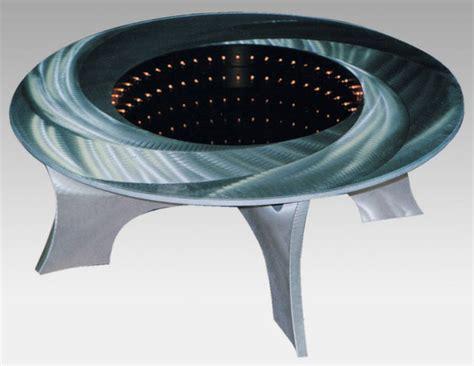 hole table illuminated coffee teknolelu mustalla aukolla jani